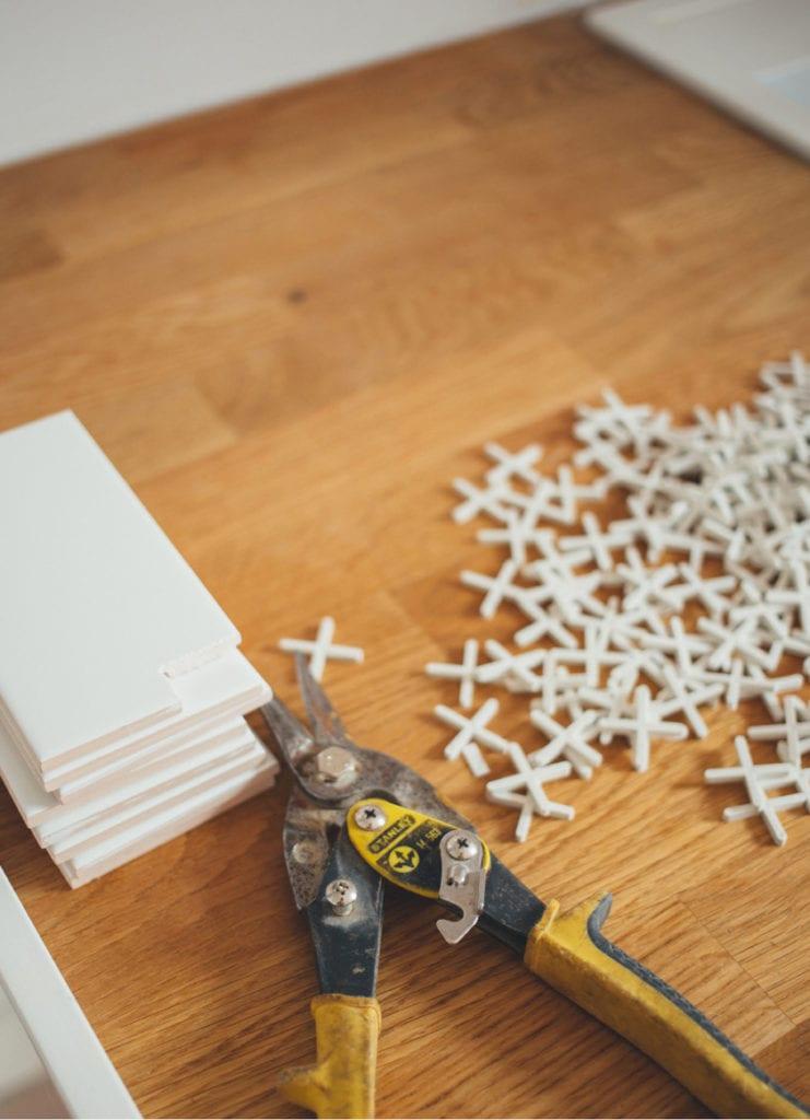 ceramic tiling tools